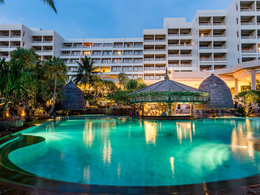 Moevenpick Resort Spa Villas Karon Beach Phuket